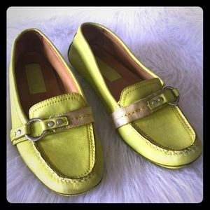 COACH Sophia leather lime green loafers EUC